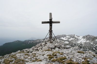Das Gipfelkreuz am Roßarsch