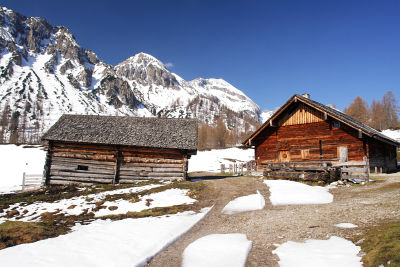 Tauernkarleitenalm mit Bärenstaffl und Steinfeldspitze