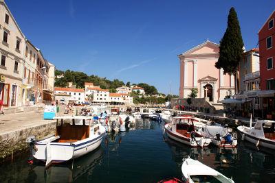 Im kleinen Hafen von Veli Losinj