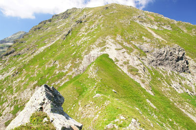 Kurze Felswand beim Abstieg vom Stierkarkopf