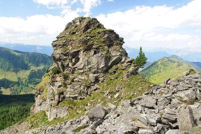 Über einen Felsturm am Spateck-Nordgrat