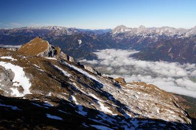 Auflösende Nebelfelder über dem Ennstal