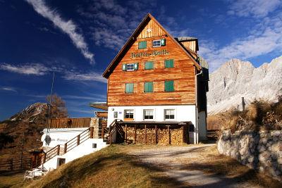 Austriahütte mit Alpinmuseum