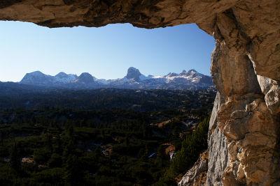 Ausblick vom Bärenloch zu den höchsten Dachsteingipfeln
