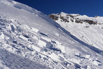 Bei diesem Schneebrett ist gerade noch alles gut gegangen