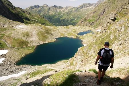 Steiler Abstieg vom Waldhorntörl zum Kapuzinersee
