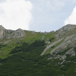 Die Route über den Teufelssteig - oben warten bereits zahlreiche Berglauf-Zuschauer