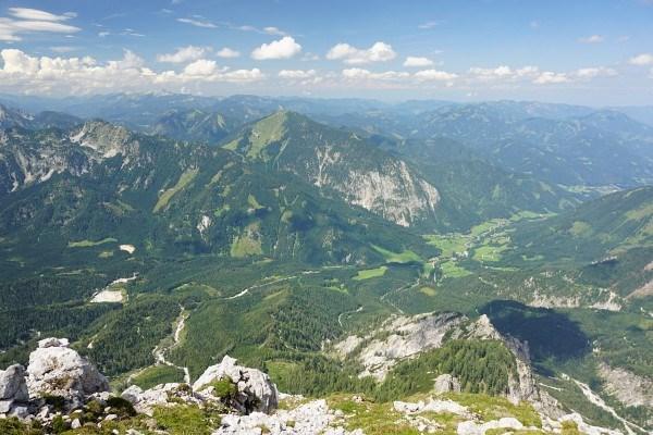 Bergblick zum Großen Maiereck und Talblick Richtung St. Gallen