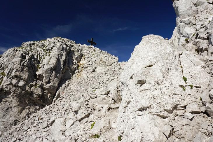 Die letzten Meter zum Gipfelkreuz am Bosruck