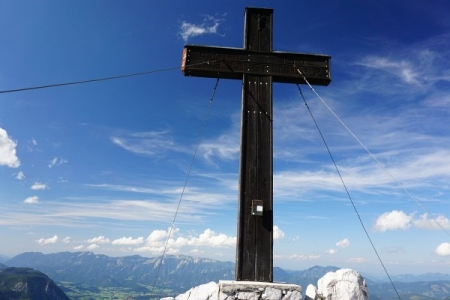 Mächtiges Gipfelkreuz am Bosruck