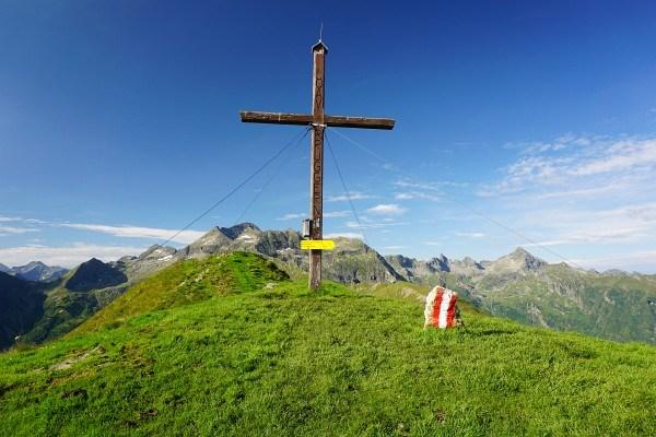 Gipfelkreuz am Pleschnitzzinken