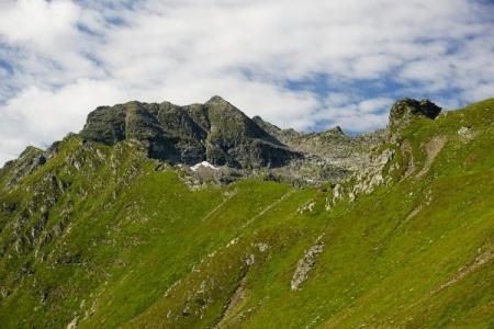 Steilhangquerungen erlauben auch beim Abstieg kein allzu rasches Vorwärtskommen
