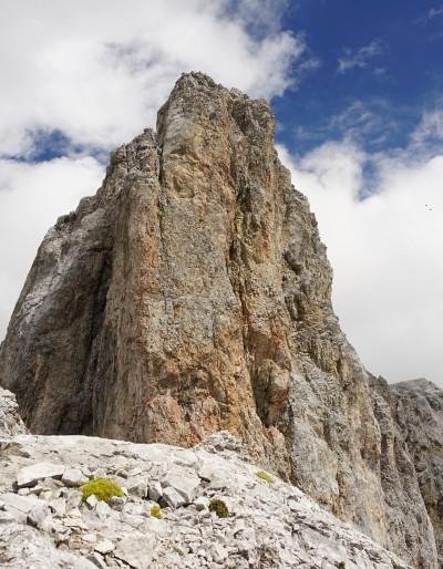 Der markante Schmiedstock wird rechts über eine steile Rampe umgangen