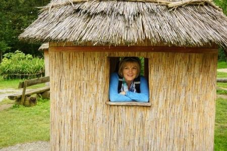 Ingrid im Afrika-Dorf