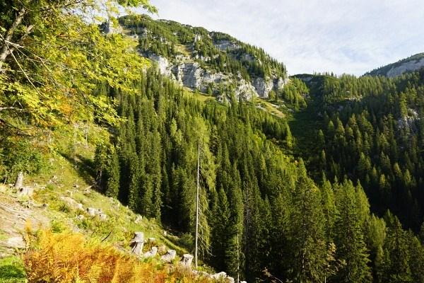 Das Aufstiegsgelände zum Hochtor auf der rechten Bildhälfte