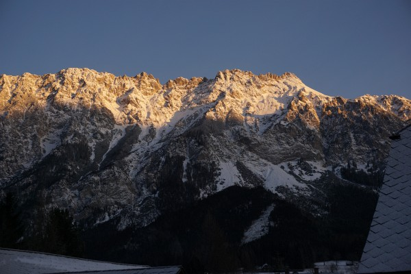 Der morgendliche Blick auf den Kammspitz versprach Schnee zumindest auf den Bergen