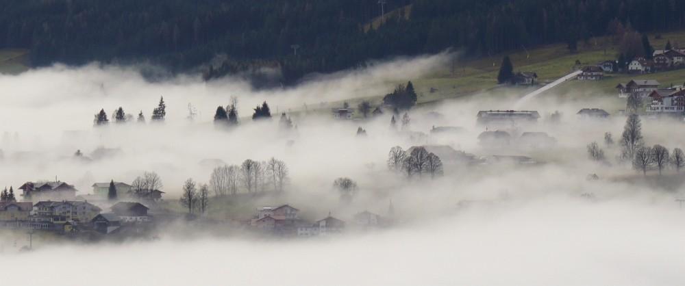 Nebel über dem Ennstal - Blick nach Rohrmoos (Klick zur Vergrößerung)