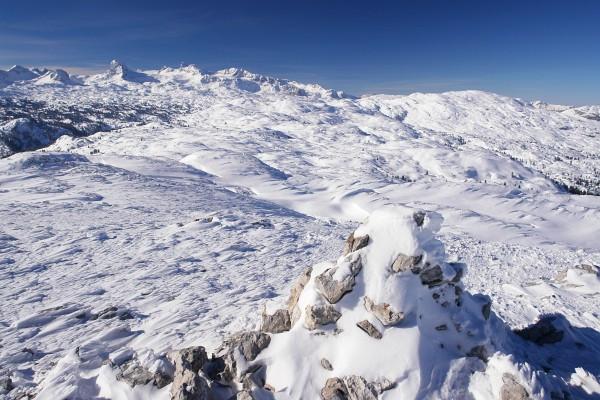 Der Hirzberg-Gipfel ist erreicht. Herrliches Dachsteinplateau.