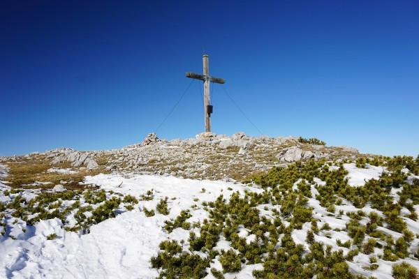 Gipfelkreuz am Hirzberg
