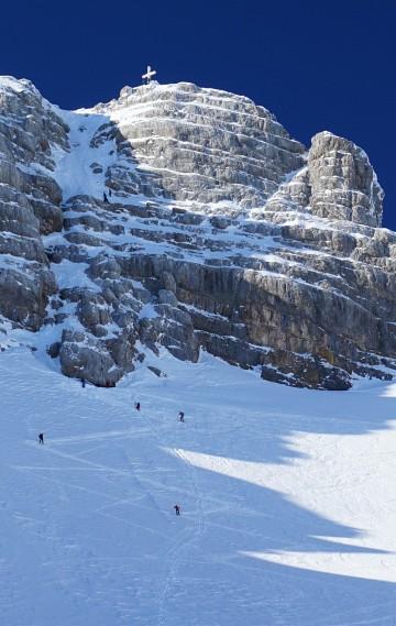 Dachstein-Gipfelstürmer am Weg zur Randkluft und in der Felspassage.