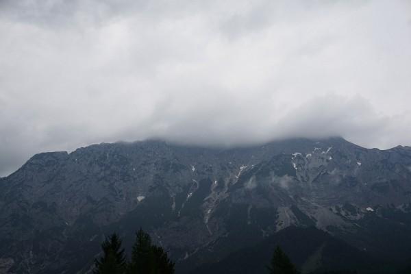 Kammspitz in Wolken am 17.05.2015