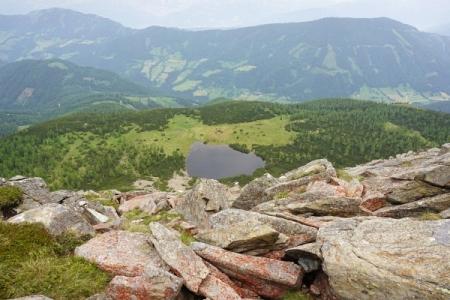 Tiefblick zum Steinkarsee