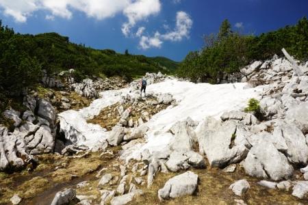 In größeren höhen gibt es noch einige Schneefelder