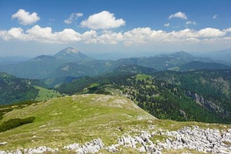 Ausblick Richtung Nordosten zum Ötscher (links)