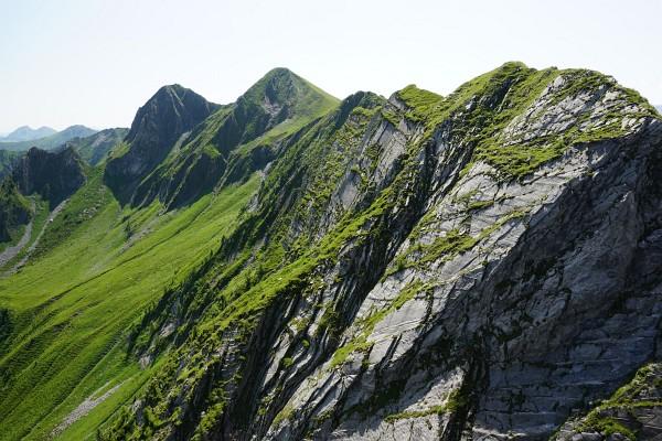Blick vom Stolzkopf zu Breitkopf (links) und Schafelkopf