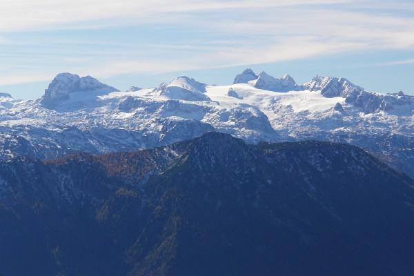 Die höchsten Gipfel im Dachsteingebirge über den Gletschern