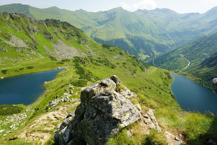 Tiefblick auf Mittleren und Unteren Kaltenbachsee