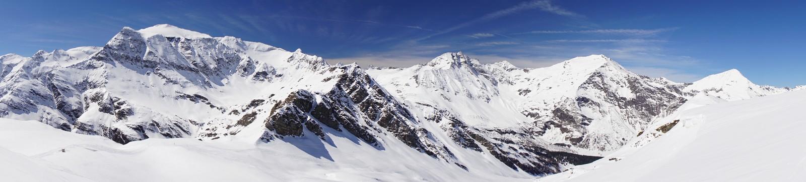 Gipfelparade vom Schareck über den Sonnblick und Hocharn zum Ritterkopf (Klick zur Vergrößerung)