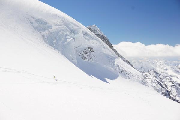Skitourengeher unter dem Olpererferner