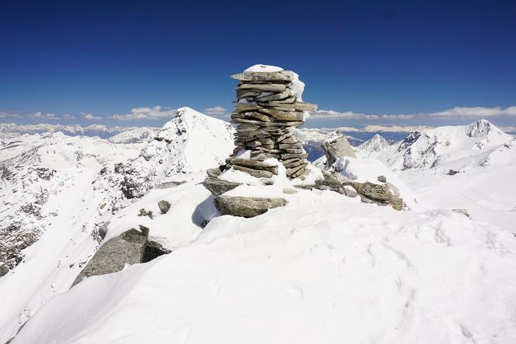 Gipfelsteinmann am Falscher Kaserer