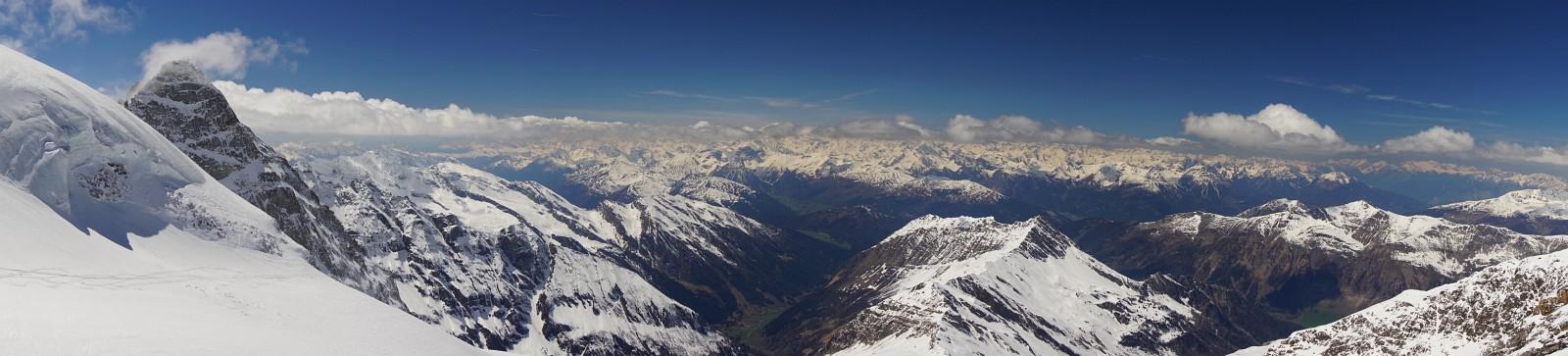 Ausblick vom Falschen Kaserer Richtung Westen in die Stubaier Alpen (Klick zur Vergrößerung)