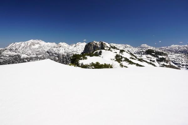 Blick über das Tote Gebirge zum Schönberg (links) und Grießkogel (rechts)