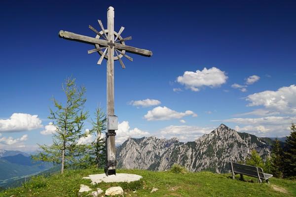 Auf der Thorhöhe treffen wir heute auf unser 4. Gipfelkreuz