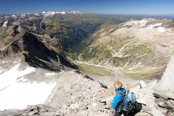 Ausblick vom Kleinen Ankogel über das nach Böckstein führende Anlauftal