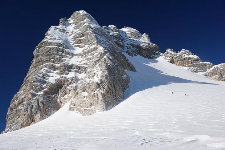 Einige Bergsteiger und Tourengeher am Hohen Dachstein