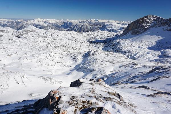 Hügeliges Hochplateau zwischen Simonyhütte und Krippenstein