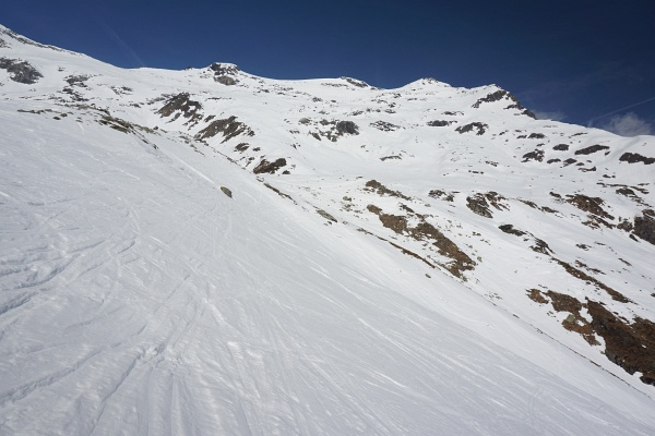 Langer Anstieg auf den Hocharn - Überblick über fast 1.000 der insgesamt 1.700 Höhenmeter. Unbedingt genug Flüssigkeit mitnehmen ;-)