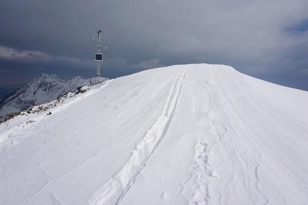 """Beim vermeintlichen """"Gipfelkreuz"""" am Großen Rotbühel"""