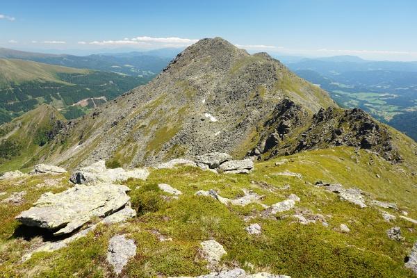 Unser heutiger höchster Gipfel vom Adlereck aus gesehen: Das Stangeneck
