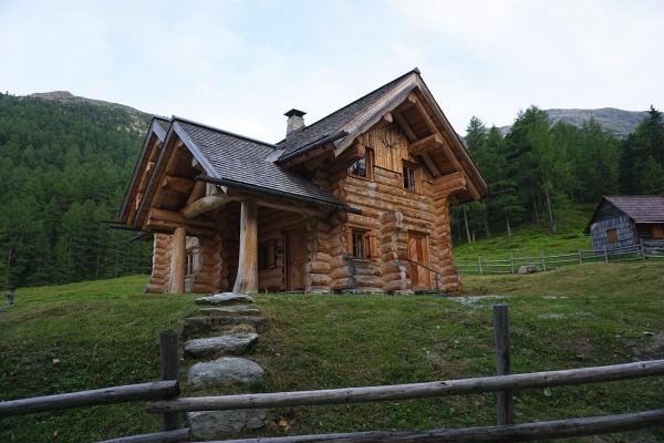 Großzügige Jagdhütte auf der Singsdorfer Alm