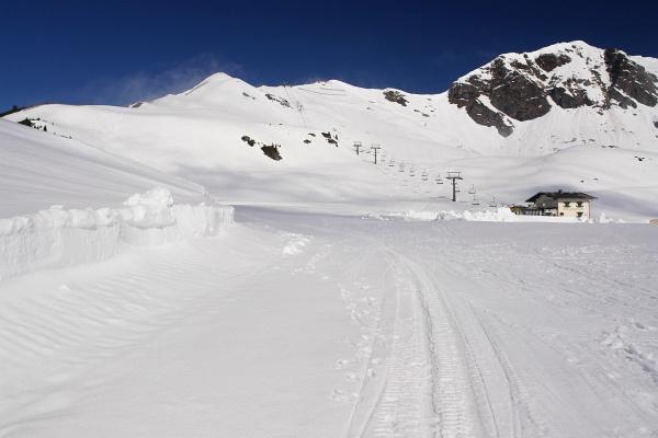 Auch Mitte Mai noch perfekte Schneeverhältnisse. Aufstieg auf das Seekareck.