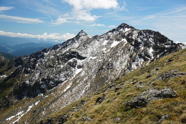 Blick vom Breitdach zu Eisenhut und Arkogel