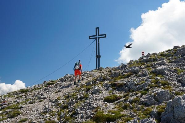Die letzten Meter zum Gipfelkreuz am Grimming