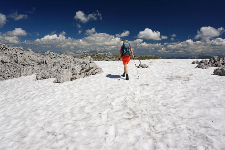 Der Schnee hat sich in den letzten 3 Wochen am Grimming rasant zurückgezogen