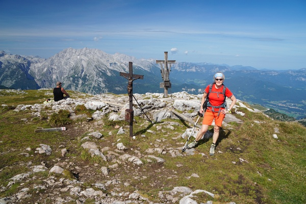 Am Gipfel des Schneibstein mit seinen zwei Gipfelkreuzen