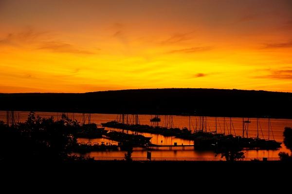 Abendstimmung beim Jachthafen in Punat